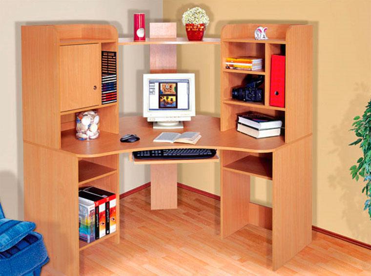Угловой стол с полками и ящиками – практичные решения