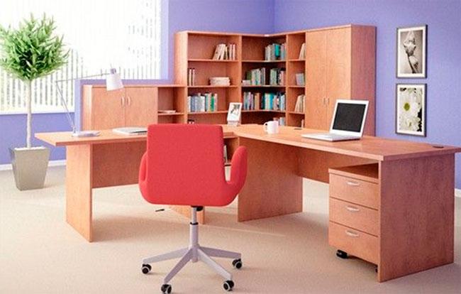 Угловые столы с полками и ящиками – фото