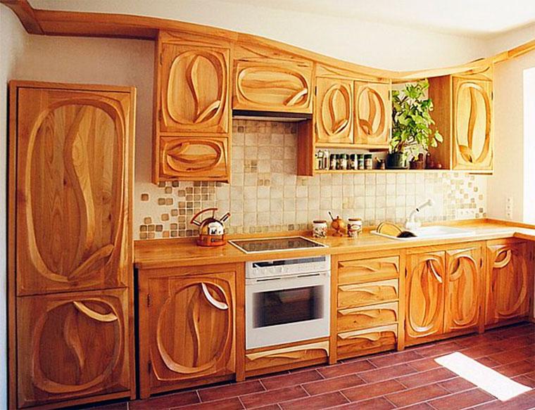 Фасады из массива дерева для кухни