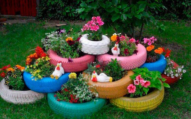 Клумбы и цветники из покрышек своими руками фото