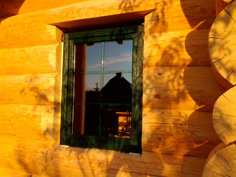 Как установить окно в деревянном доме?