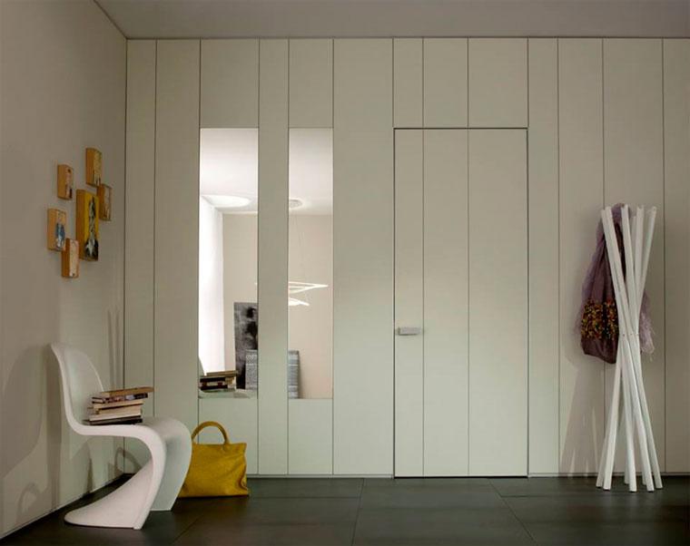 Цветные окрашенные двери