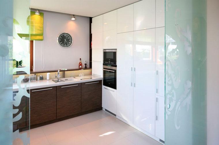 Современный дизайн кухни и гостиной