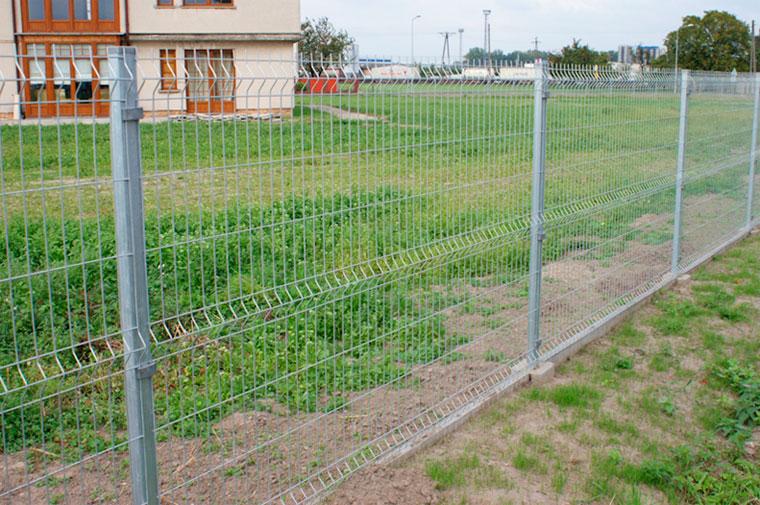 Из чего сделать забор дешево своими руками