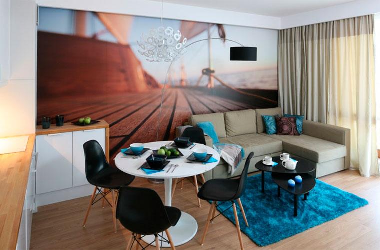 Как украсить и увеличить небольшую комнату