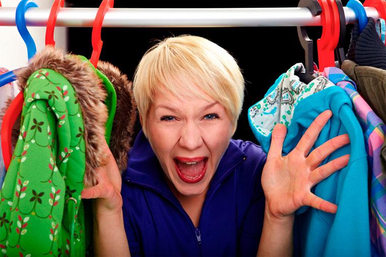 Запах в шкафу с одеждой – как избавиться?