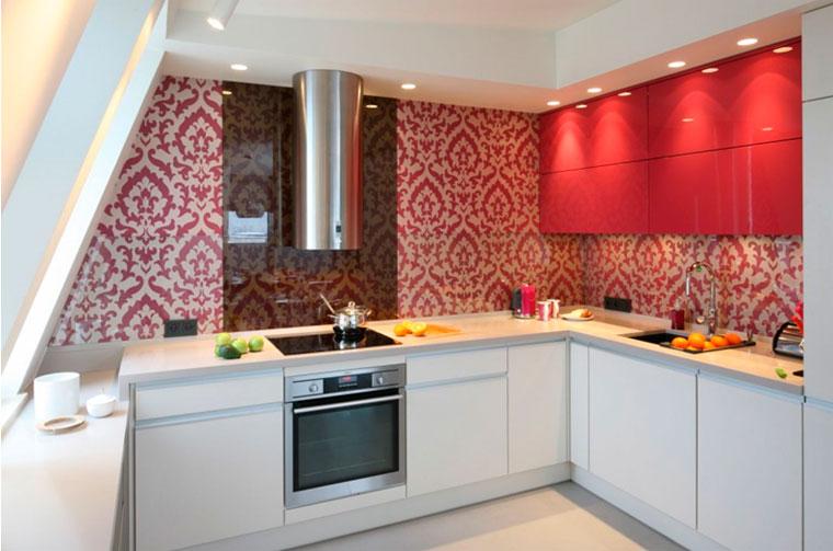 Угловая кухонная мебель для маленькой кухни – фото