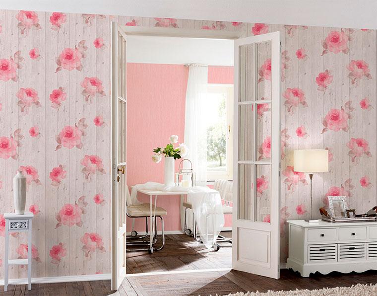 Розовые обои в интерьере