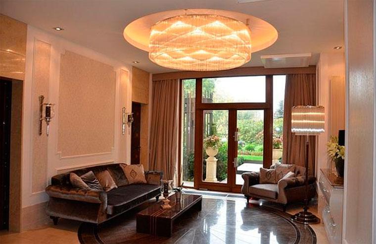 Красивые люстры для зала – фото в дизайне