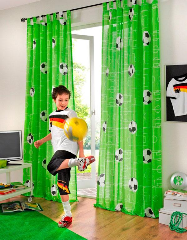 Выбираем цвета занавески в детскую для мальчика