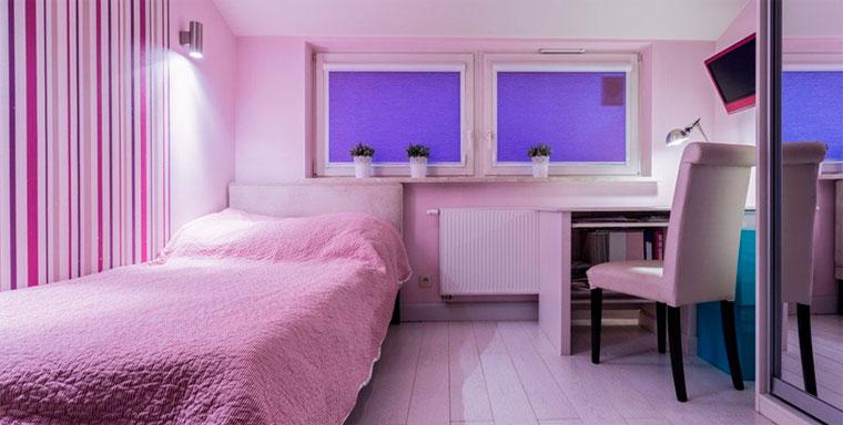 Спальня в фиолетовом цвете для подростка