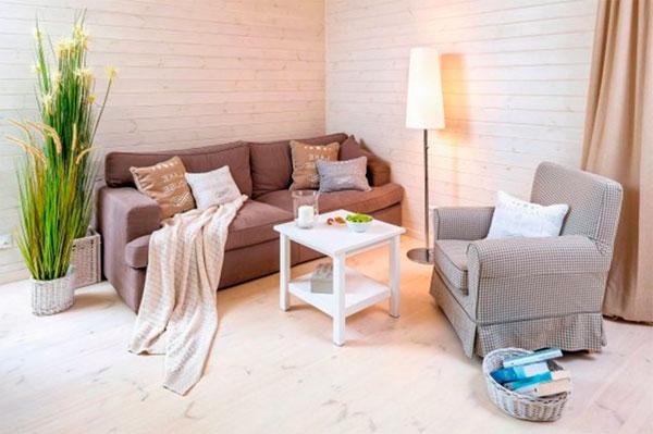 Интерьеер в скандинавском стиле с деревянными панелями для стен, покрашенными в белый цвет – фото
