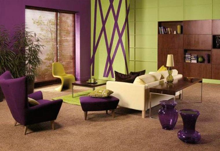 Гостиная в зелено-фиолетовых тонах