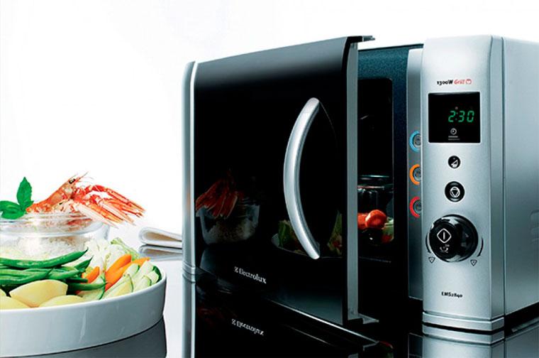 Как выбрать микроволновку для дома?