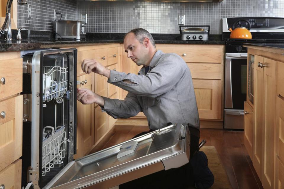 Как подключить посудомоечную машину своими руками к водопроводу, горячей воде и канализации