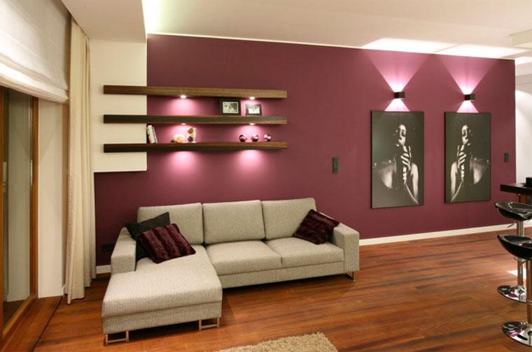 Оформление стены в интенсивных цветах – фото