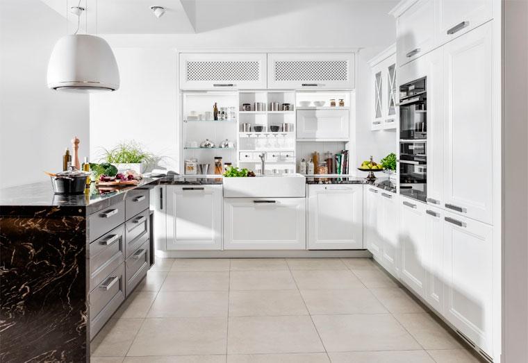 Современная кухня в черно-белом цвете, фото