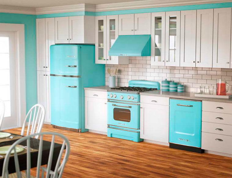 Кухня в в бело-голубом цвете, фото