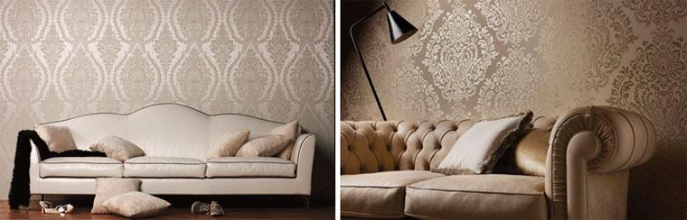 Глянцевые обои барокко на стене за диваном, фото