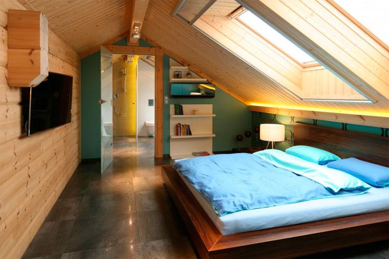 Интерьер спальни в бирюзово-бежевых тонах