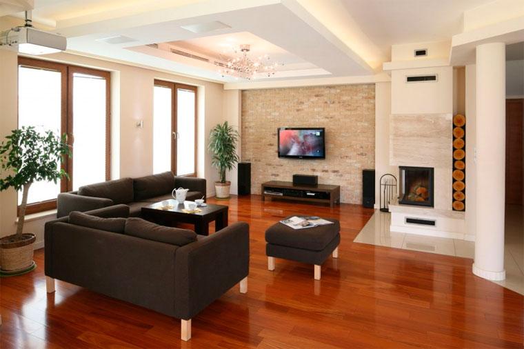 Классический интерьер квартиры в светлых тонах, фото
