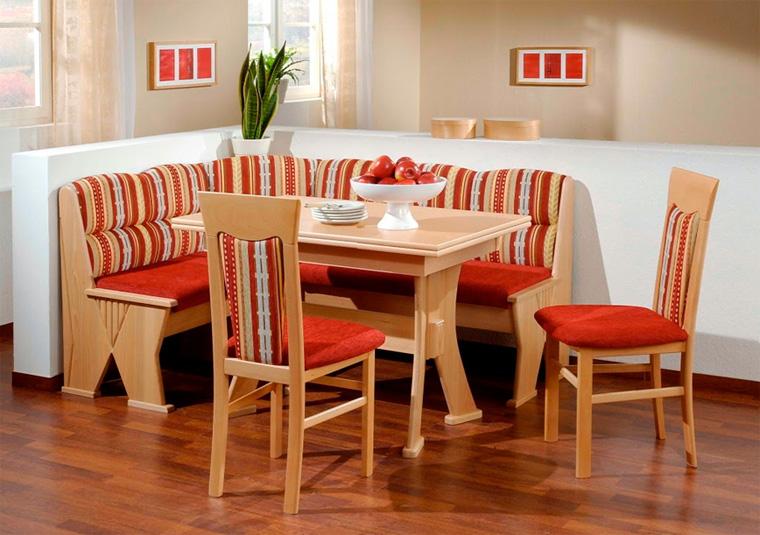 Кухонные диванчики для маленькой кухни в традиционном стиле