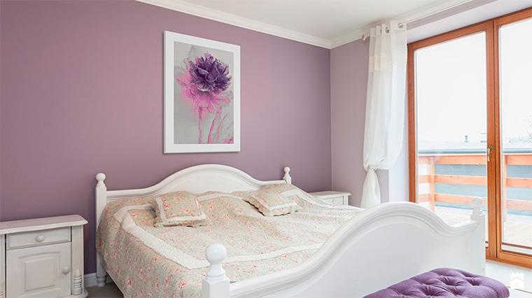 Фиолетовый цвет и его применение в интерьере