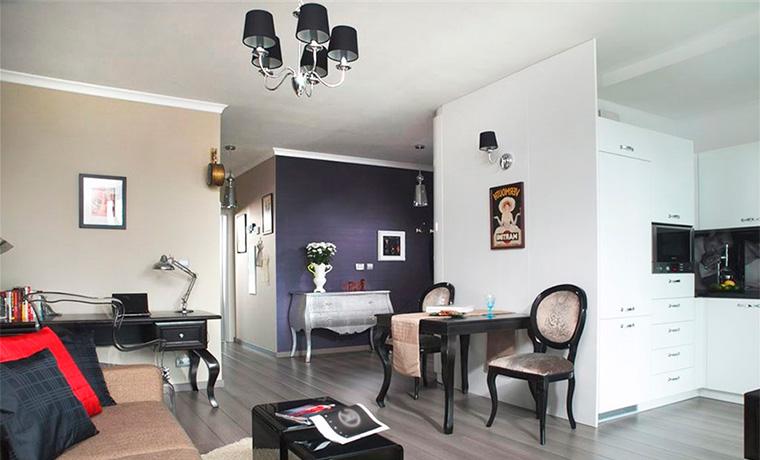Сочетание цветов в интерьере, фото – фиолетовый с белым