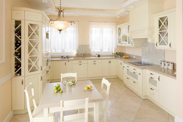 Дизайн классической кухни в светлых тонах, фото