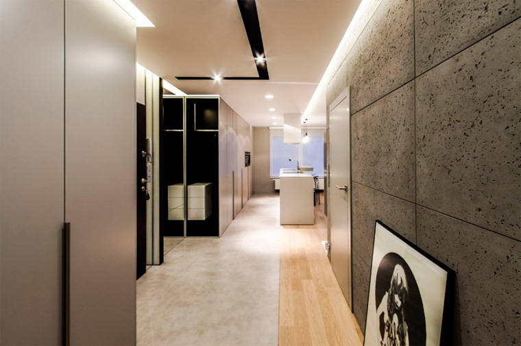 прихожая в стиле лофт с бетонной стеной, фото