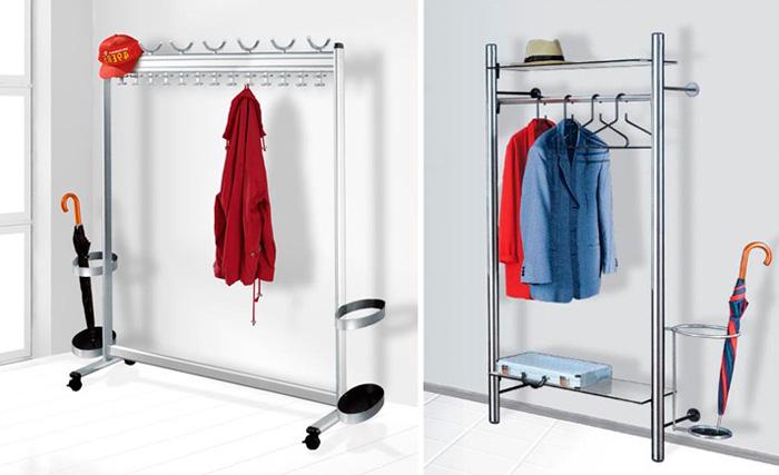 Подставка под зонт в составе вешалки для одежды