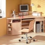 Угловой письменный стол для школьника