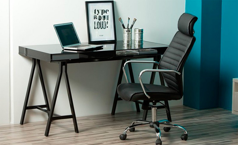 Кожаное кресло для компьютера