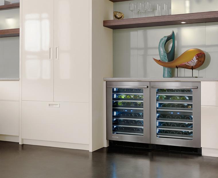 Винный холодильник под столешницу – фото