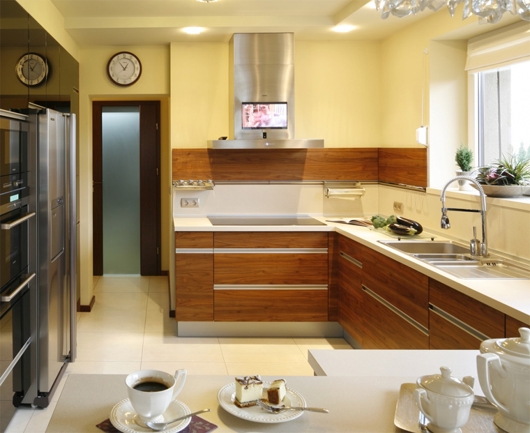 кухонные вытяжки со встроенным телевизором