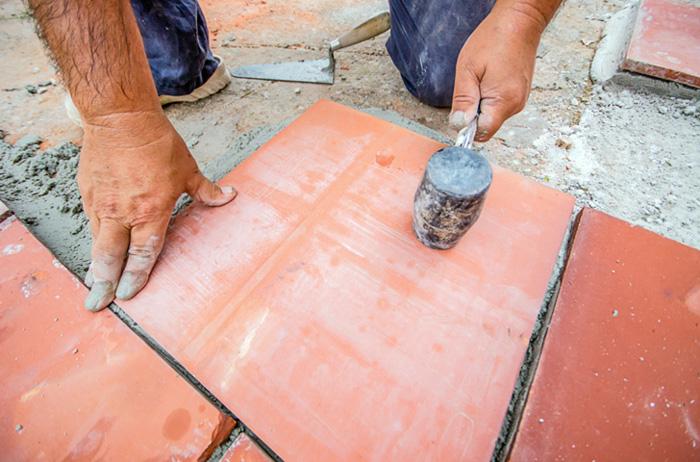 Фото. Плитка, уложенная на цементный раствор