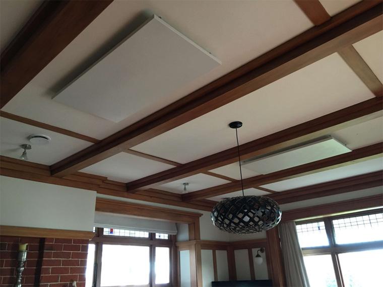 Инфракрасный обогреватель потолочный в гостиной