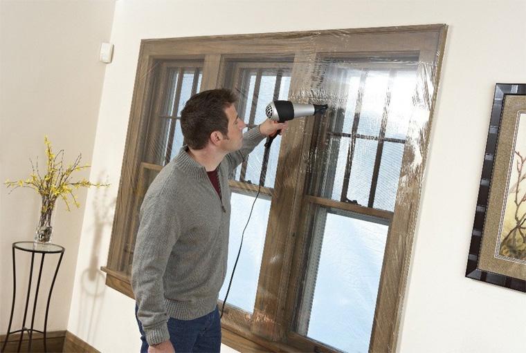 Чем утеплить окна на зиму?