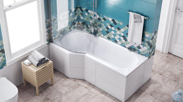 Стеклянная ширма на ванну