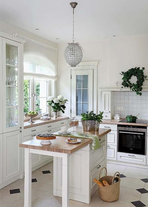 На кухне должны быть цветы и травы