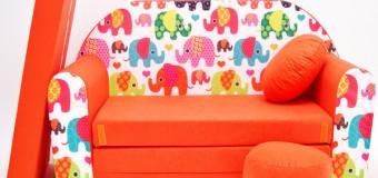 Раскладной диван в детскую комнату для мальчика или девочки подростка, маленький угловой, фото