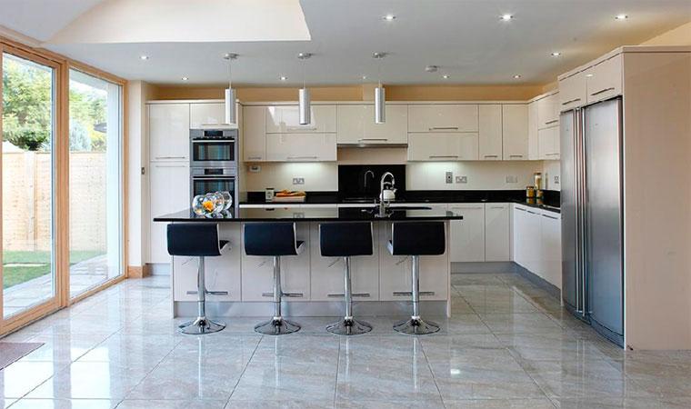 Напольное покрытие для кухни – что выбрать