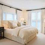 Как оформить окно в спальне фото