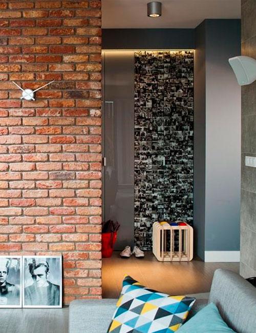 отделка стен прихожей декоративным камнем